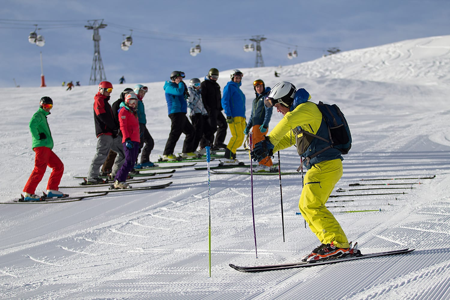 Tom one of our ISIA coaches going through a drill with the team on the Courchevel BASI Level 3 Training